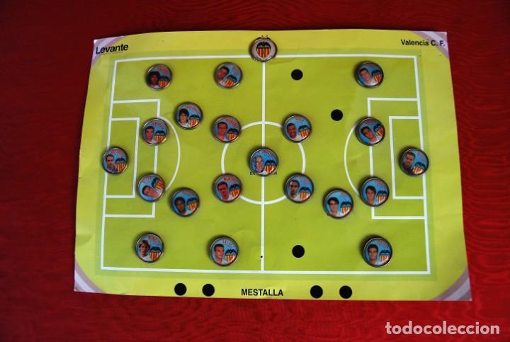 Coleccionismo deportivo: LOTE DE 21 PINS ALINEACIÓN VALENCIA C F TEMPORADA 95-96 MESTALLA LINEVA . DIFÍCIL - Foto 14 - 165994658