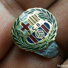 Coleccionismo deportivo: PIN INSIGNIA OJAL PARA SOLAPA DE LXXV 75 ANIVERSARIO DEL FCB FC BARCELONA 1974 . Lote 167063400