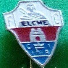 Coleccionismo deportivo: INSIGNIAS DEL ELCHE. Lote 152838542