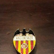 Coleccionismo deportivo: INSIGNIA VALENCIA CLUB DE FUTBOL. Lote 169061052
