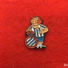 Coleccionismo deportivo: PIN CD ESPAÑOL AÑOS 90. Lote 169606300