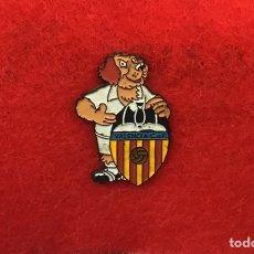 Coleccionismo deportivo: PIN VALENCIA AÑOS 90. Lote 169606382