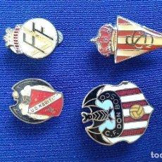 Coleccionismo deportivo: LOTE PINS DE OJAL DE FUTBOL ANTIGUOS- DON BOSCO- U.D.MARITIMO -FEDERACION VALENCIANA FUTBOL- SPORTIG. Lote 169739914