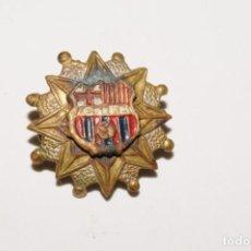 Coleccionismo deportivo: CF BARCELONA. ANTIGUA INSIGNIA DE SOLAPA. Lote 170167556