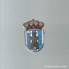 Collectionnisme sportif: INSIGNIA / PIN DE EQUIPO DE FÚTBOL - TORRECILLA C.F.. Lote 199306012