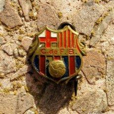 Coleccionismo deportivo: PIN INSIGNIA DE AGUJA ANTIGUA DEL CLUB FÚTBOL BARCELONA - AC35. Lote 170511873