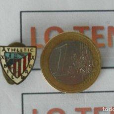 Coleccionismo deportivo: PIN TIPO INSIGNIA SOLAPA DE ATHLETIC BILBAO ANTIGUO.. Lote 171297285