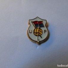 Coleccionismo deportivo: PIN FUTBOL- UNION POPULAR DE LANGREO (ASTURIAS). Lote 221924022