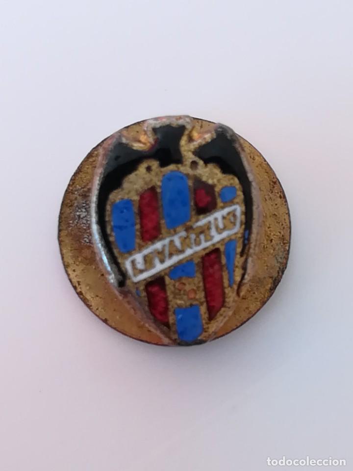 INSIGNIA OJAL SOLAPA LEVANTE UD - PIN LEVANTE UD (Coleccionismo Deportivo - Pins de Deportes - Fútbol)