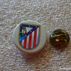 Coleccionismo deportivo: PIN DE DEPORTES. FÚTBOL. ESCUDO DEL EQUIPO. ATLÉTICO DE MADRID. Lote 171752465