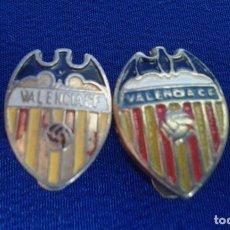 Coleccionismo deportivo: LOTE PINS VALENCIA CF ANTIGUOS Y DE OJAL. Lote 172015674