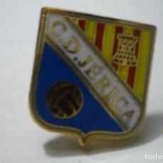 Coleccionismo deportivo: PIN FUTBOL CD JERICA. Lote 172424768
