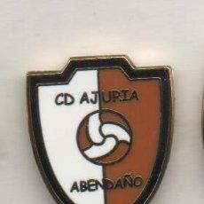 Coleccionismo deportivo: PIN DE FUTBOL-AJURIA ABENDAÑO C.D.. Lote 173677380