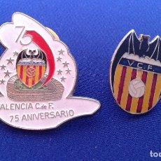 Coleccionismo deportivo: LOTE PINS DEL VALENCIA CF (75 ANIVERSARIO). Lote 173969563