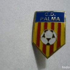 Coleccionismo deportivo: PIN FUTBOL CD PALMA. Lote 174195505