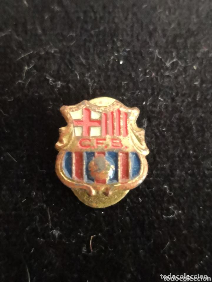 Coleccionismo deportivo: 9 pins futbol club barcelona - Foto 6 - 174305460