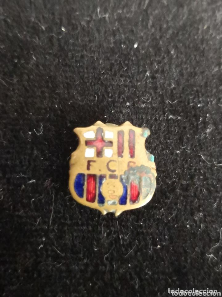 Coleccionismo deportivo: 9 pins futbol club barcelona - Foto 16 - 174305460