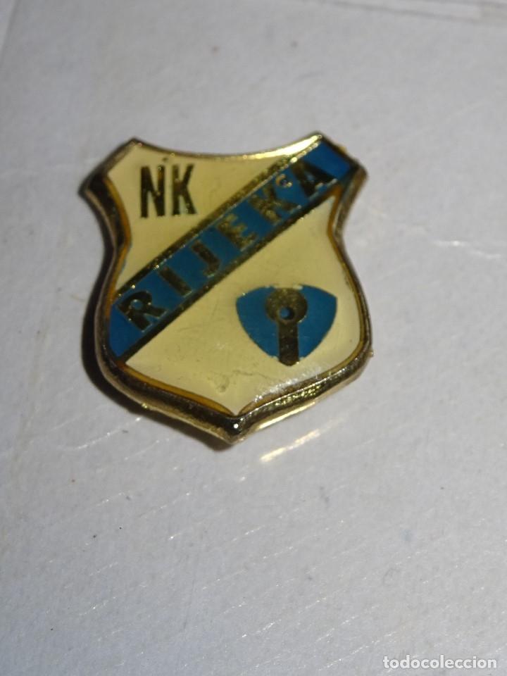 PIN FUTBOL RIJEKA (CROACIA) (Coleccionismo Deportivo - Pins de Deportes - Fútbol)