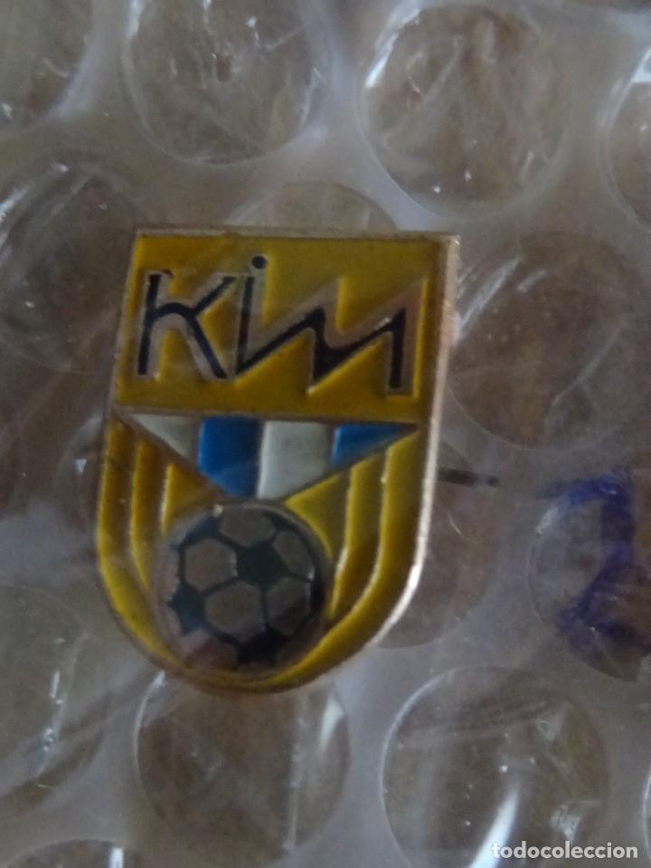 PIN FUTBOL KIM VITEBSK (BIELORUSIA) (Coleccionismo Deportivo - Pins de Deportes - Fútbol)