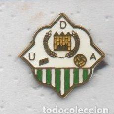 Coleccionismo deportivo: PIN DE FUTBOL ARCENSE U.D.-ARCOS FRONTERA-CADIZ. Lote 176561840