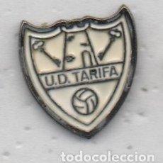 Coleccionismo deportivo: PIN DE FUTBOL TARIFA U.D.-TARIFA-CADIZ. Lote 176561918