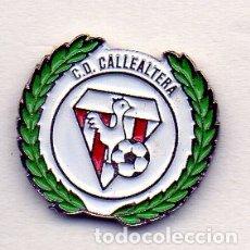 Coleccionismo deportivo: PIN DE FUTBOL-CALLEALTERA C.D.-SANTANDER-CANTABRIA. Lote 177189095