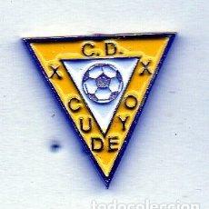 Coleccionismo deportivo: PIN DE FUTBOL-CUDEYO C.D.PEDREÑACANTABRIA. Lote 177191018