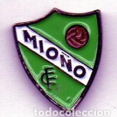 Coleccionismo deportivo: PIN DE FUTBOL-MIOÑO C.F..MIONO-CANTABRIA. Lote 177191600
