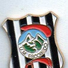Coleccionismo deportivo: PIN DE FUTBOL-ESCOBEDO N.M.-ESCOBEDO DE CAMARGO-CANTABRIA. Lote 177192745