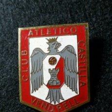 Coleccionismo deportivo: MUY RARA ANTIGUA INSIGNIA PIN DE OJAL O SOLAPA FUTBOL CLUB ATLETICO CASTILLA VENDRELL (TARRAGONA). Lote 177521974