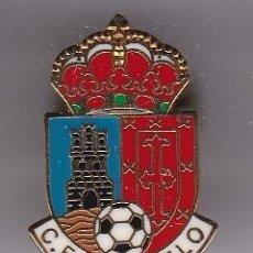 Coleccionismo deportivo: PIN DE FUTBOL DEL CLUB DEPORTIVO POZUELO - MADRID (FOOTBALL). Lote 178616461