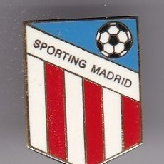 Coleccionismo deportivo: PIN DE FUTBOL DEL CLUB SPORTING MADRID - MADRID (FOOTBALL). Lote 178616522
