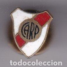 Coleccionismo deportivo: ANTIGUO PIN DE OJAL ESMALTADO DE FUTBOL DEL CLUB RIVER PLATE (ARGENTINA) (FOOTBALL). Lote 178640421