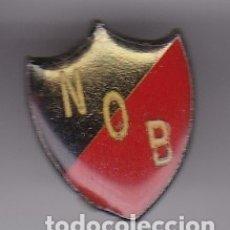 Coleccionismo deportivo: PIN DE FUTBOL DEL CLUB NEWELL'S OLD BOYS (ARGENTINA) (FOOTBALL). Lote 178643778