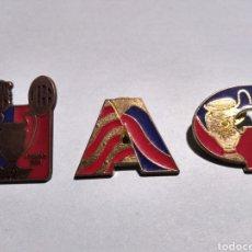 Coleccionismo deportivo: LOTE 3 PINS FUTBOL CLUB BARCELONA. Lote 179209536