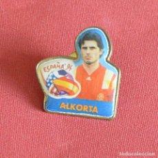 Coleccionismo deportivo: ALKORTA - ESPAÑA 94 - MUNDIAL DE FUTBOL ESTADOS UNIDOS - PIN. Lote 179943405
