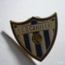 Coleccionismo deportivo: PIN FUTBOL ACD CANILLAS. Lote 180179496