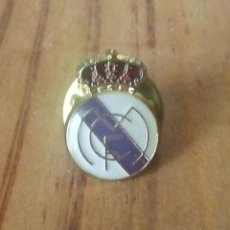 Coleccionismo deportivo: PIN REAL MADRID . Lote 180877270