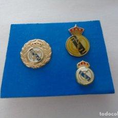 Coleccionismo deportivo: LOTE DE 3 PINS DEL REAL MADRID. Lote 181121645