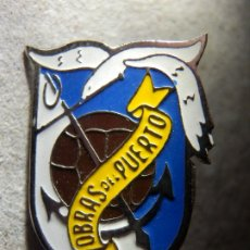 Coleccionismo deportivo: INSIGNIA DE AGUJA - CLUB OBRAS DEL PUERTO - ALICANTE - FUTBOL AÑOS 60´S. Lote 182097936