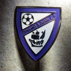 Coleccionismo deportivo: INSIGNIA DE AGUJA - DINAMO DE SAN JUAN - CLUB FUTBOL - C.F. - BIZKAIA, PAÍS VASCO - AÑOS 50'S 60´S. Lote 182119767