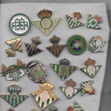 Coleccionismo deportivo: LOTE DE 25 PINS DEL BETIS -SEVILLA. Lote 184050032