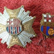 Coleccionismo deportivo: PAREJA DE PINS DEL F.C BARCELONA. METAL ESMALTADO. SIGLO XX. . Lote 184924780
