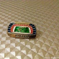 Coleccionismo deportivo: PIN FÚTBOL BARÇA BAKERO. Lote 186094771