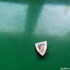 Coleccionismo deportivo: ANTIGUO PIN ATHLETIC DE BILBAO. Lote 186141597