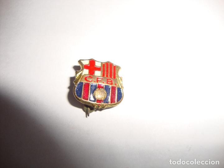 ANTIGUA INSIGNIA PIN AGUJA F C BARCELONA (Coleccionismo Deportivo - Pins de Deportes - Fútbol)