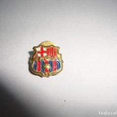 Coleccionismo deportivo: ANTIGUA INSIGNIA PIN AGUJA SOLAPA F C BARCELONA. Lote 188862345