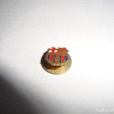 Coleccionismo deportivo: ANTIGUA INSIGNIA PIN AGUJA SOLAPA F C BARCELONA . Lote 188862383