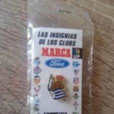 Coleccionismo deportivo: PIN REAL SOCIEDAD, COLECCION MARCA, PRECINTADO. Lote 228174750