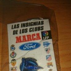 Coleccionismo deportivo: PIN DEPORTIVO ALAVES, COLECCION MARCA PRECINTADO. Lote 297118213